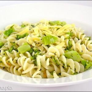 279808 macarrão com brócolis 2 300x300 Aprenda como preparar uma salada de macarrão