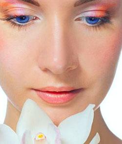 282918 maquiagem colorida 3 Veja como destacar os olhos com a cor certa de maquiagem
