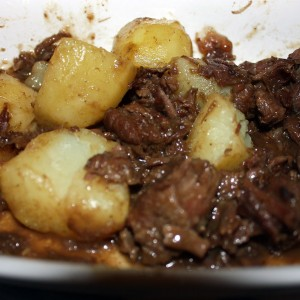 284837 carne de panela com batatas 300x300 Sugestões de pratos para um jantar em família