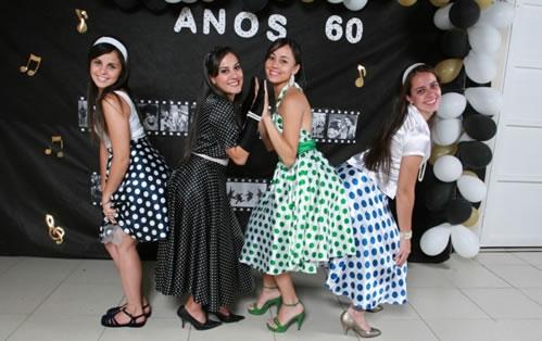 28503 vestidos Roupas Anos 60: Fotos