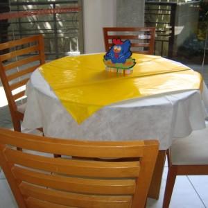 286352 galinha 6 300x300 Decoração de festa com o tema galinha pintadinha