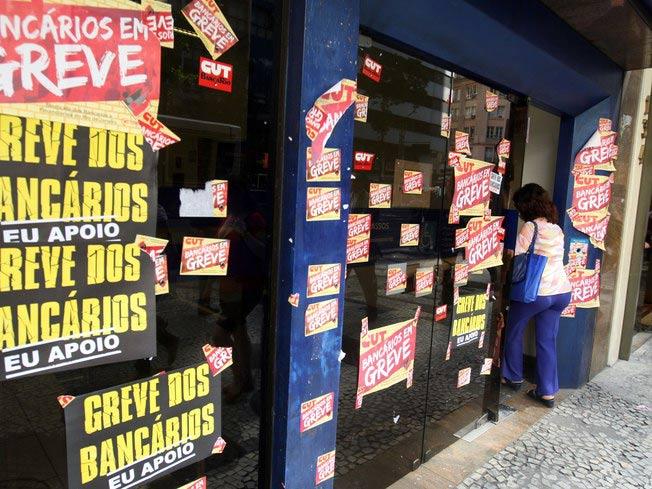 289988 greve Greve dos bancários pode ser intensificada, afirma sindicato.