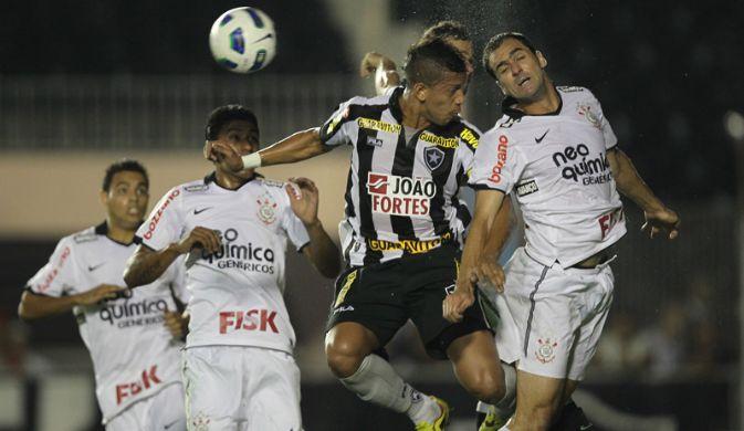 290084 corinthians x botafogo Em clima de final, Corinthians recebe o Botafogo para se manter na ponta