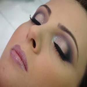 290546 0202020 300x300 Curso de maquiagem profissional: onde fazer