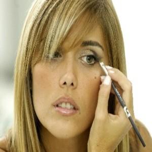 290546 Curso de Auto maquiagem Online 300x300 Curso de maquiagem profissional: onde fazer