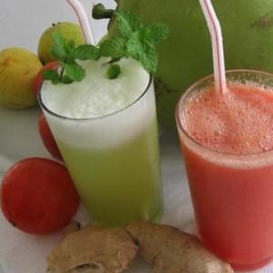 290963 abacaxi com coco 300x300 Receitas de sucos naturais