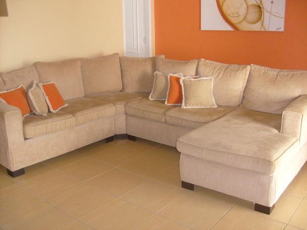 Sof s de canto para decorar a sala for Sofas cama pequenos modernos