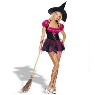 O look de bruxinha é um dos mais pedidos no Halloween.  Símbolos de Halloween  Dicas de Maquiagens para Halloween  (Foto: Divulgação)