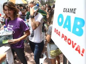 294419 oab exame1302 300x225 Divulgado o calendário das provas da OAB até 2013