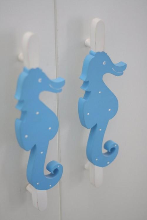 296204 decoracao com cavalo marinho 500x749 Tema fundo do mar para decorar quarto de bebê