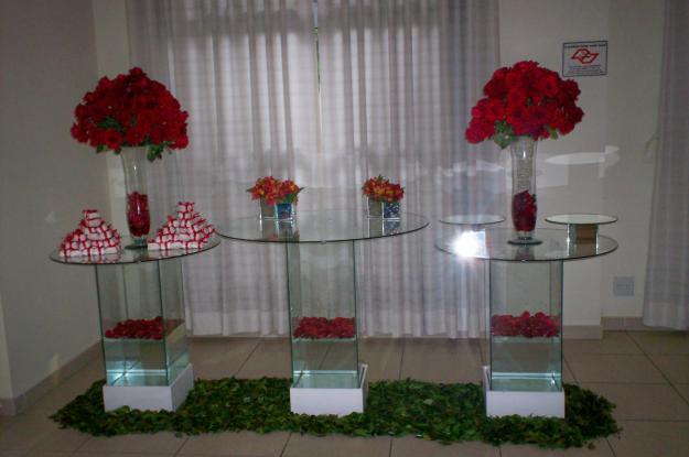 296245 casamento em vidro vermelho Decoração clean para festas