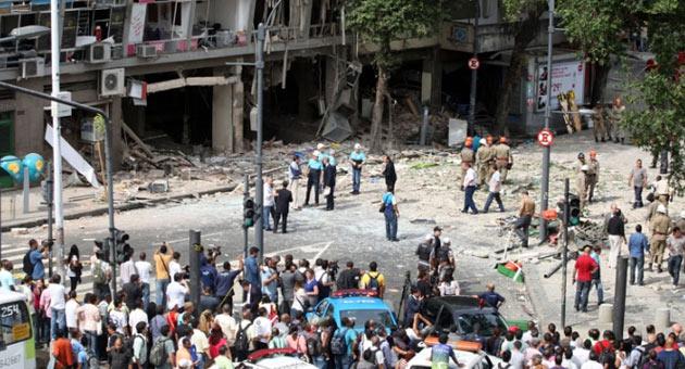 296460 Untitled 7 Morre quarta vítima de explosão em restaurante no Rio