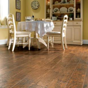 296816 Karndean Hickory Paprika.jpg e 9c53654d7f7c9c72667efde1daba6b35 PVC que imita madeira: veja fotos, dicas, onde comprar