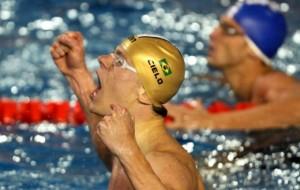 Brasil tem dia dourado na quadra e na piscina em Guadalajara