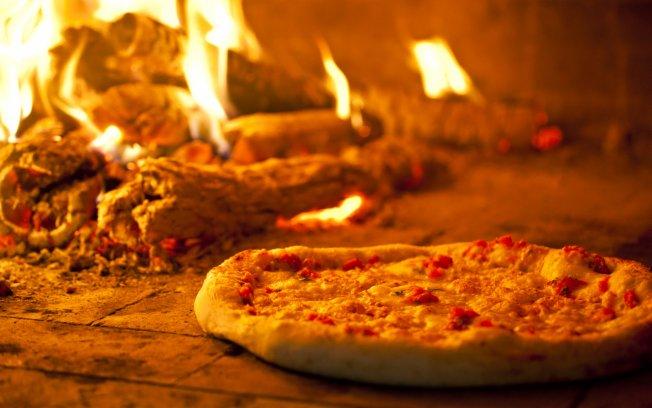 298689 pizza caseira Sugestões de pratos para preparar no forno a lenha