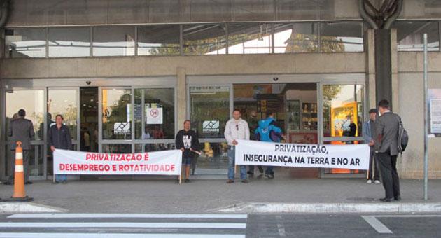 300613 viracopos Funcionários do Aeroporto de Viracopos suspendem paralisação