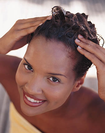 305450 lavar cabelos 3 Receitas caseiras para hidratar diferentes tipos de cabelo