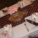 305716 toalha de bolinhas marrom e rosa 150x150 Decoração de casamento rosa e marrom