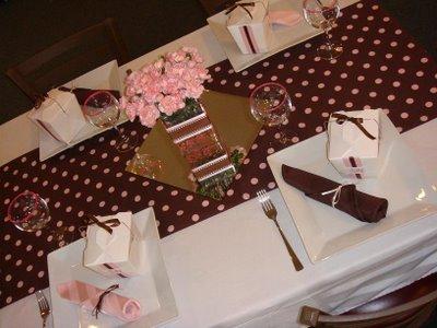 305716 toalha de bolinhas marrom e rosa Decoração de casamento rosa e marrom