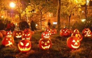 Show de luzes em casa para o Halloween