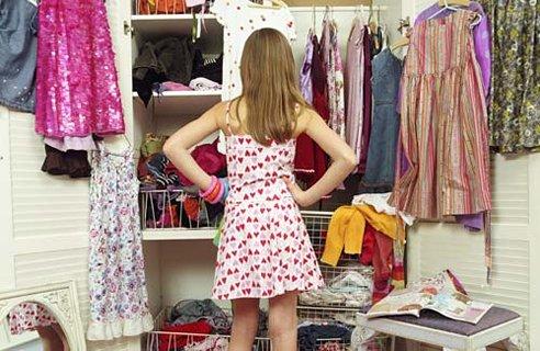 314404 guarda roupa bagunçado Truques que ajudam na arrumação do guarda roupa