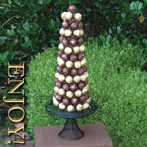 317389 torre de chocolate Aprenda a decorar a árvore da natal com enfeites comestíveis