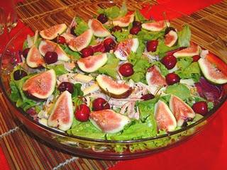 319985 salada Pratos tradicionais para ceia de natal