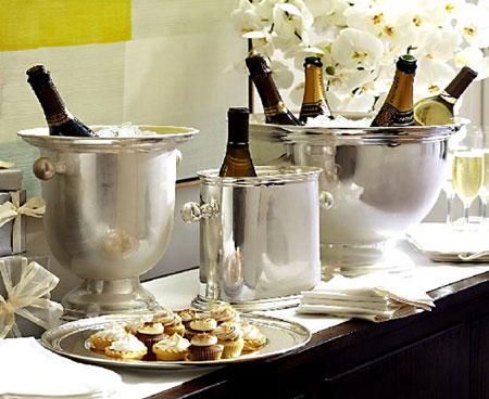 327411 champagne baldes Como decorar a casa para a passagem de ano