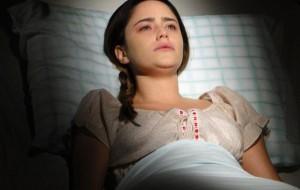 """""""A Vida da Gente"""": Eva conta a Ana que Manu e Rodrigo estão casados"""