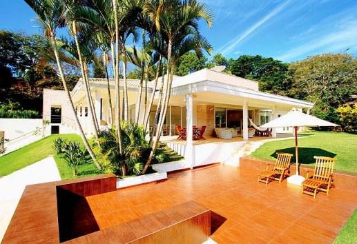 328338 área da piscina Casas decoradas com porcelanato: dicas, fotos