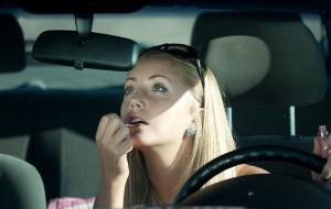 Dicas de maquiagem para fazer dentro do carro