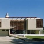333787 painel de concreto aparente e brises de madeira 150x150 Fachadas de madeira para casas
