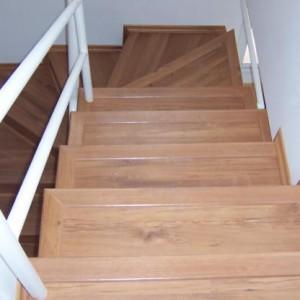 334040 pisos emborrachados para escadas 4 300x300 Pisos emborrachados para escadas