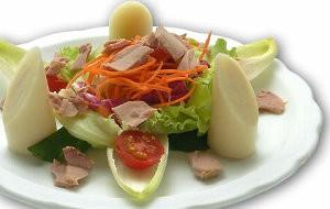 Descubra como preparar uma salada de atum