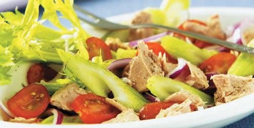 334253 salada de atum 2 Descubra como preparar uma salada de atum