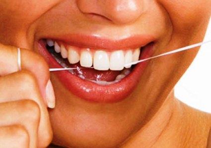 336826 fio dental Como acabar com o mau hálito