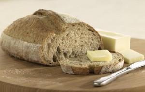 Manteiga pode não ser a mais indicada para comer com pão, diz pesquisa