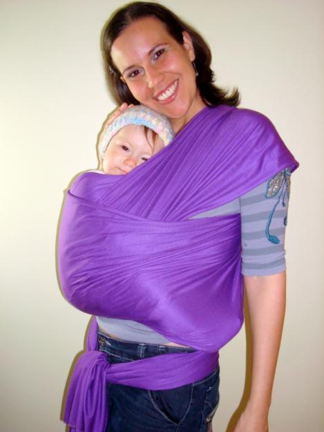 339502 Cuidados para carregar a criança no Sling 1 Cuidados para carregar a criança no Sling