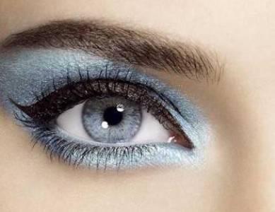 341276 5 dicas para não errar na maquiagem com glitter 5 dicas para não errar na maquiagem com glitter