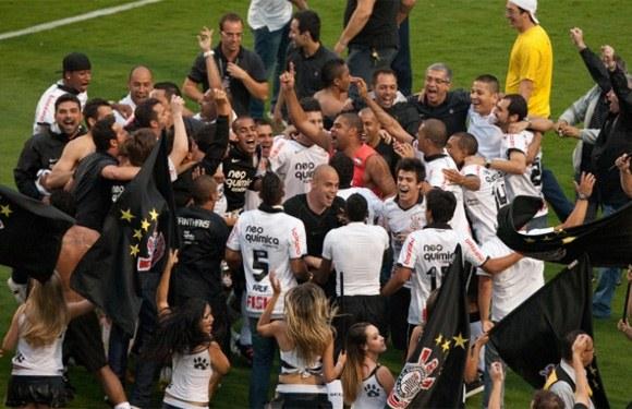 343723 corinthians Cinco vezes Corinthians: Timão é pentacampeão brasileiro