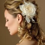 344615 penteado para nubentes flor no cabelo 150x150 Penteados para noivas   fotos