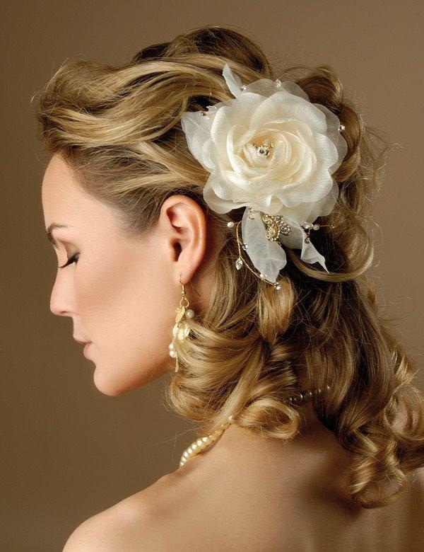 344615 penteado para nubentes flor no cabelo Penteados para noivas   fotos