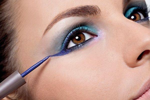 345730 Aprenda a usar delineador colorido Aprenda a usar delineador colorido