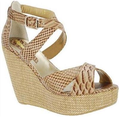 346258 sandalia anabela desmond ref 1355 Como combinar roupa e sapato