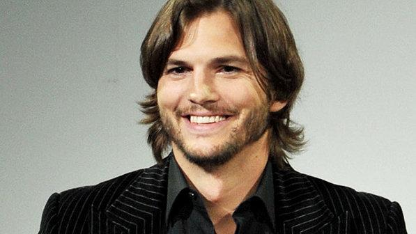 346940 ashtonkutcher foto Alberto E. RodriguezGetty Images Ashton Kutcher estaria feliz com divórcio de Demi Moore