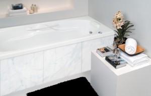 Banheiros com banheiras grandes