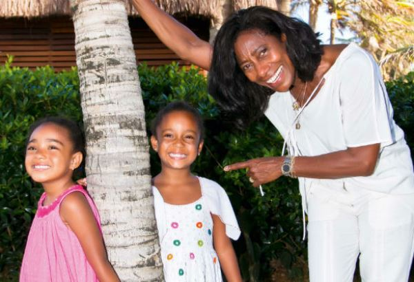 347911 mães famosas que adotaram seus filhos 5 Mães famosas que adotaram seus filhos