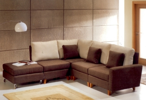 352634 Decora%C3%A7%C3%A3o de sala com sof%C3%A1 marrom Decoração de sala com sofá marrom