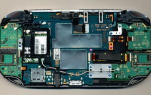 Veja interior do portátil Playstation Vita