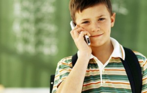 Serviço garante monitorar filhos por meio de aplicativo instalado em celulares